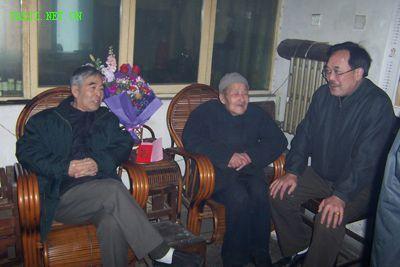 张悦侠(中)杨宝生(左)、靳根省(右)
