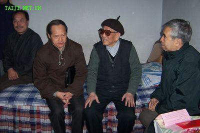 王克俊(中)、白文祥(左)、杨宝生(右)