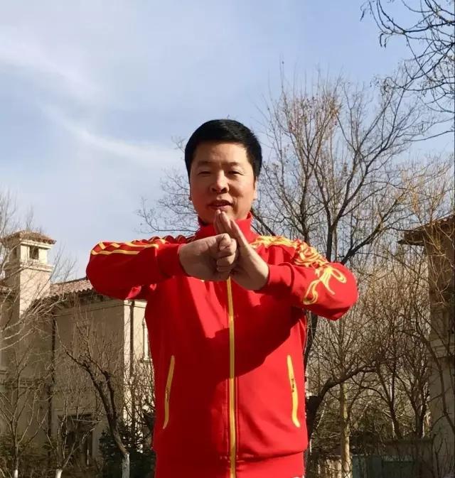 田苏辉、肖关纪荣升中国武术八段